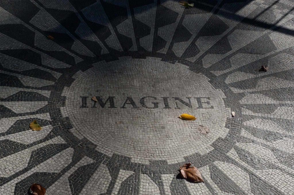 Památník Johna Lennona s mozaikou Imagine New York Central Park
